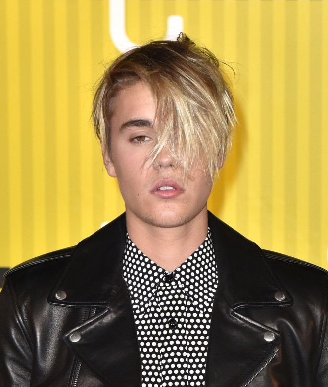 LOS ANGELES, CA - AUGUST 30: Justin Bieber arrives to the 2015 MTV Video Music Awards at Microsoft Theater on August 30, 2015 in Los Angeles, California. (Photo by C Flanigan/Getty Images)